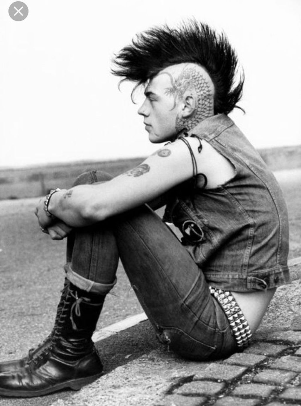 Cool 80s Mens Hairstyles Ideas 46 in 2020 | Punk guys ...