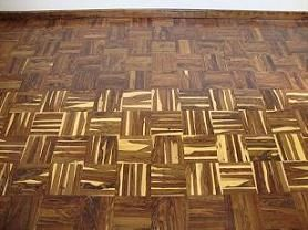 Rustic floor with and without sapwood