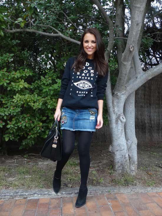 sudadera falda y medias negras