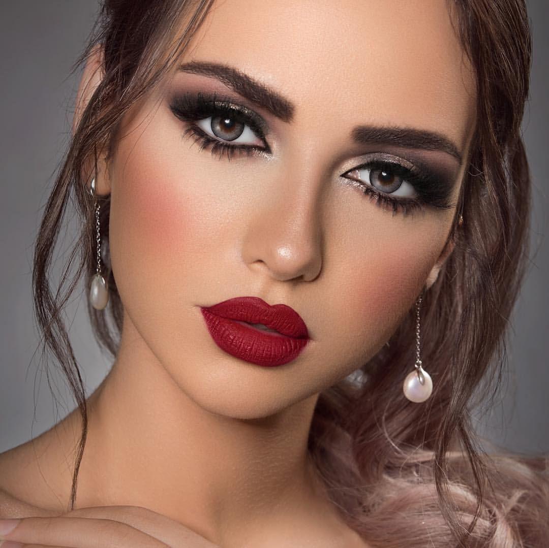 اسم العدسه Bridal Makeup Red Lips Classy Makeup