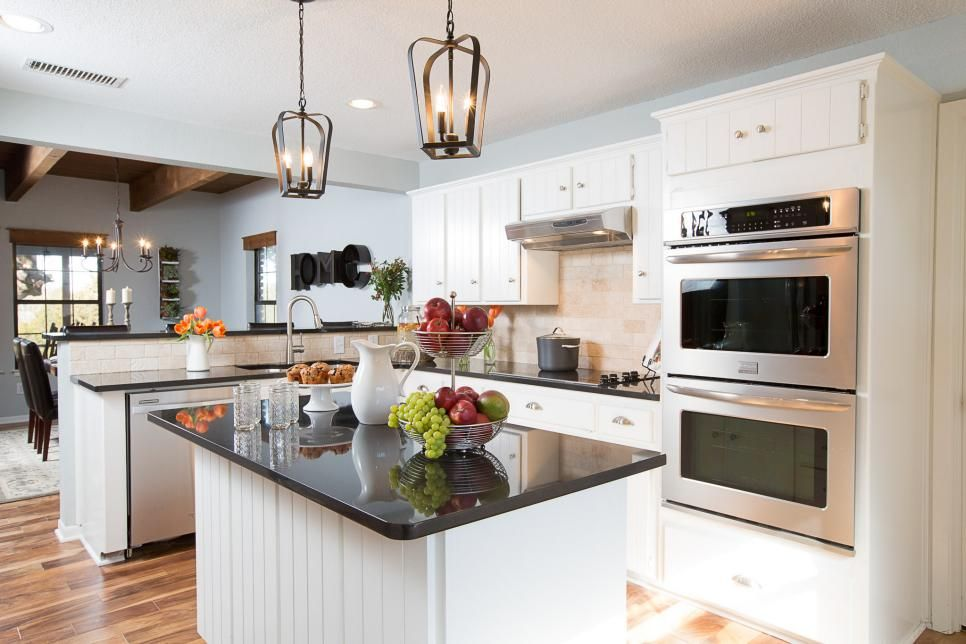 20 Small Kitchen Makeovers By Hgtv Hosts Kitchens Dining Small
