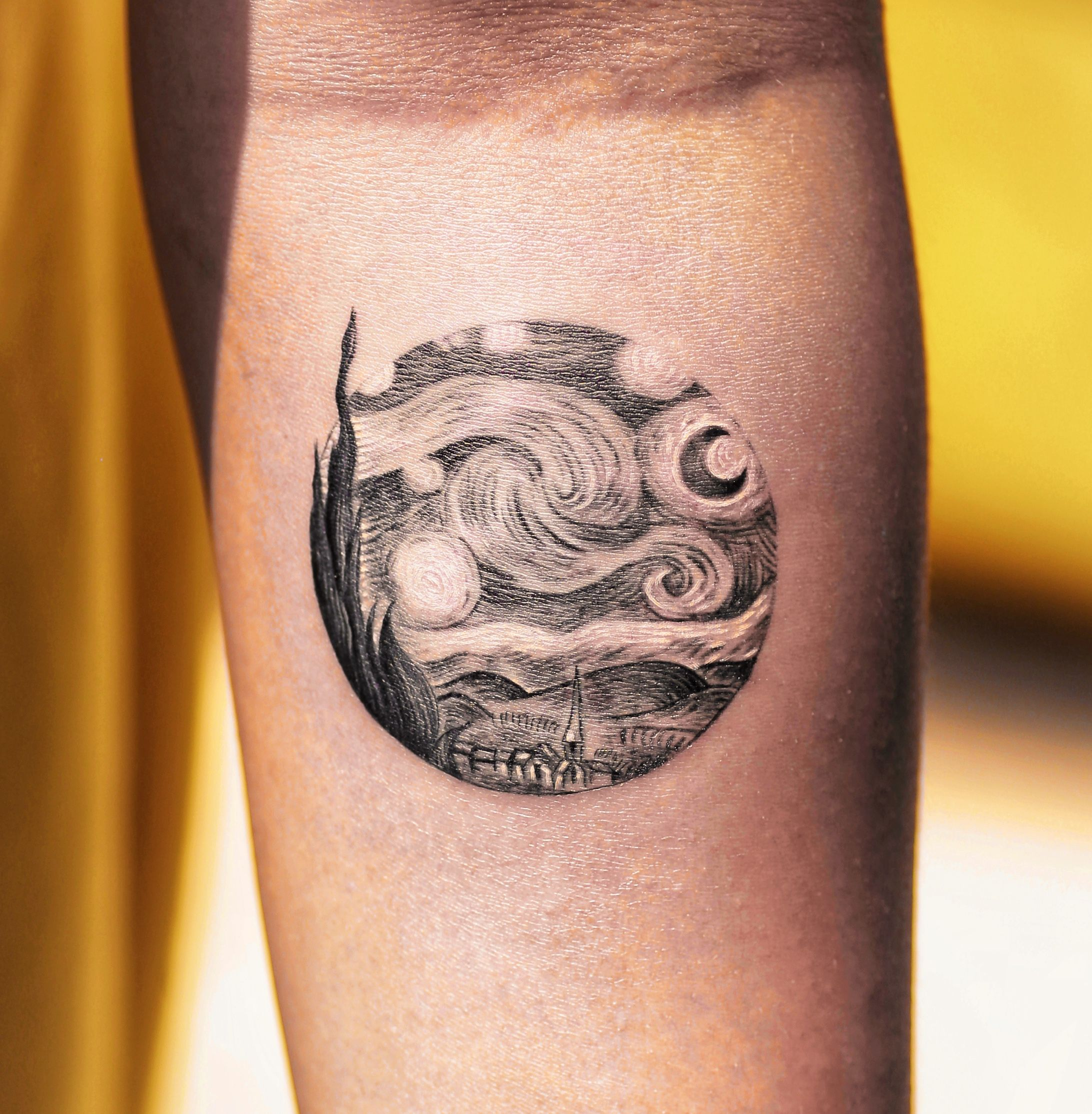 Starry Night Van Gogh Tattoo By Alessandro Capozzi Of Aureo Roma Tattoos Van Gogh Tattoo Picture Tattoos Night Tattoo