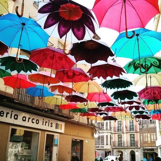 paraguas #fraga #huesca #sitiosdehuesca #descubrehuesca
