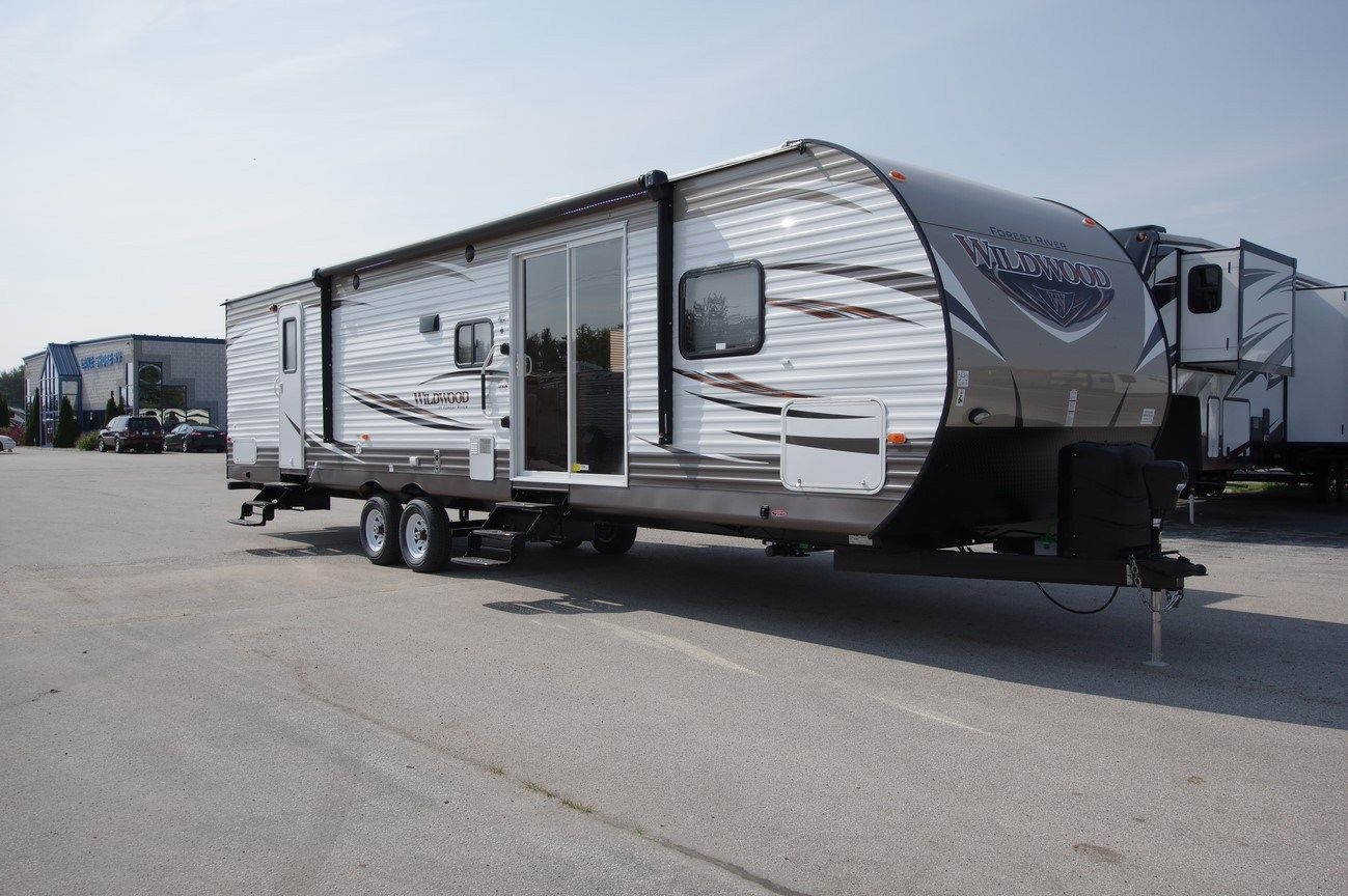 New 2017 Wildwood 37BHSS2Q For Sale.259692 Cold weather