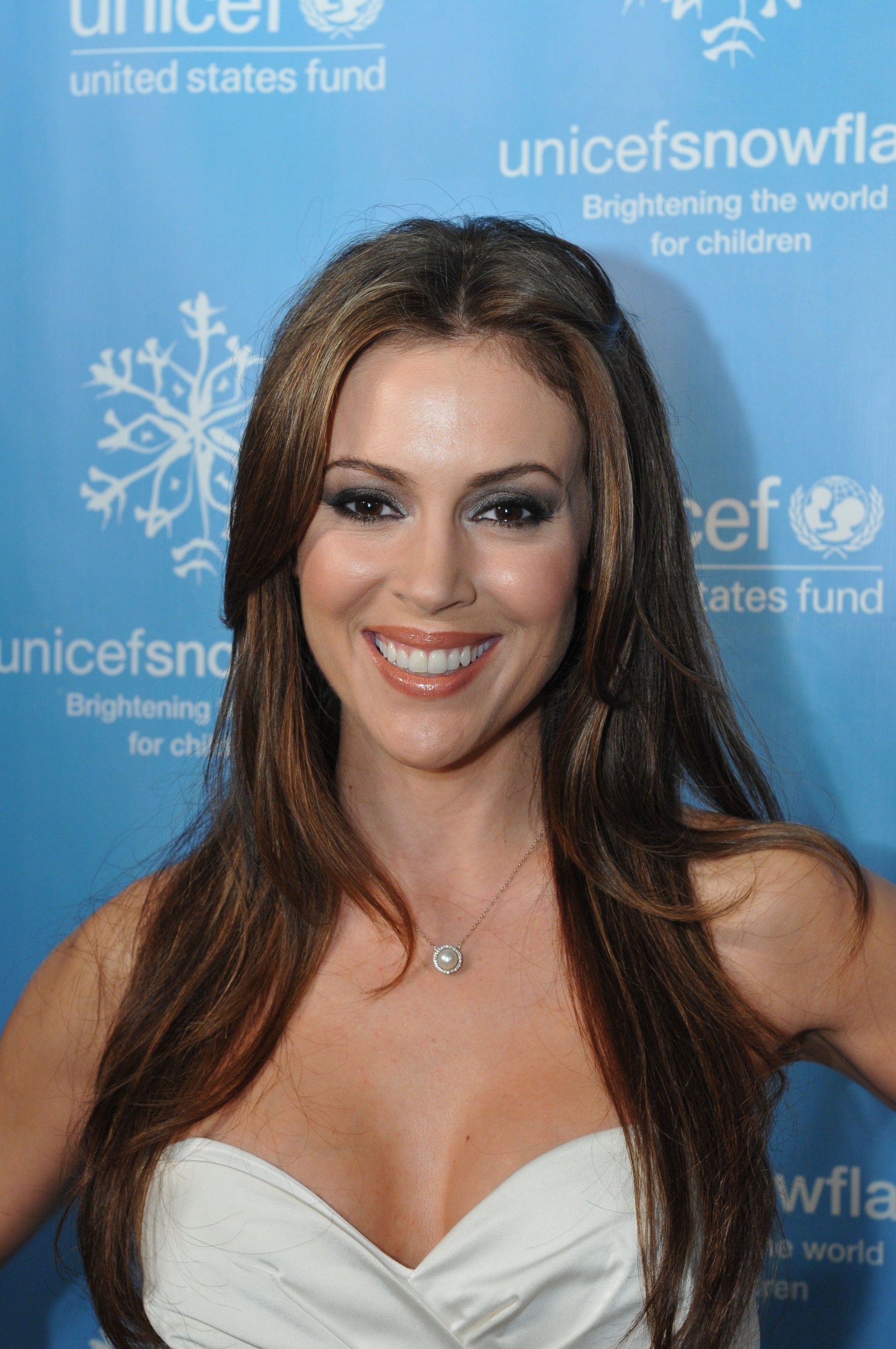 Alyssa Milano Leaked Photos pinjandl . on angela | alicia milano, alyssa milano