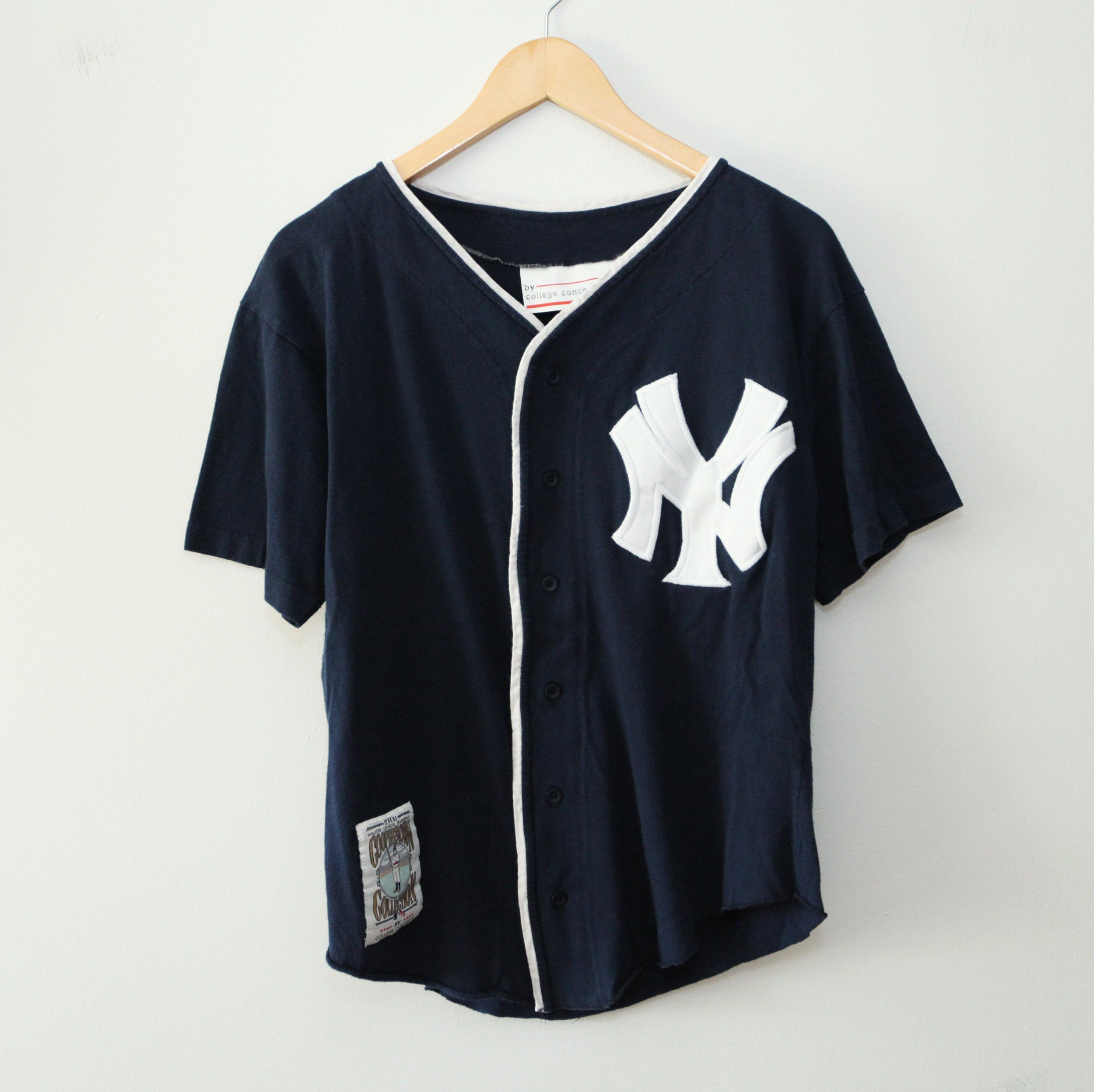 Vintage 90 S New York Yankees Jersey Sz Women S Vintage Sportswear New York Yankees Women
