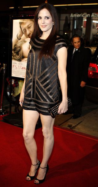 Pin on Mary-Louise Parker
