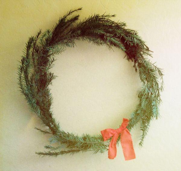 the simpleton wreath. i dig.