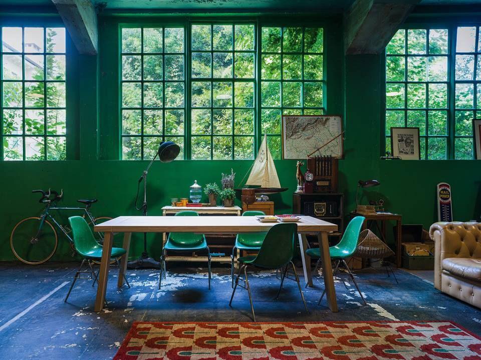 Atmosfere vintage e colori moderni. | Tavolo, Arredamento ...