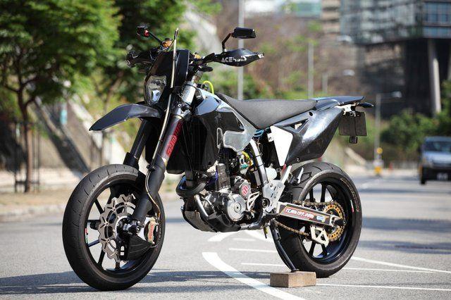 Suzuki Drz400sm Custom Drz400 Supermoto Suzuki Dirt Bikes Enduro Motorcycle