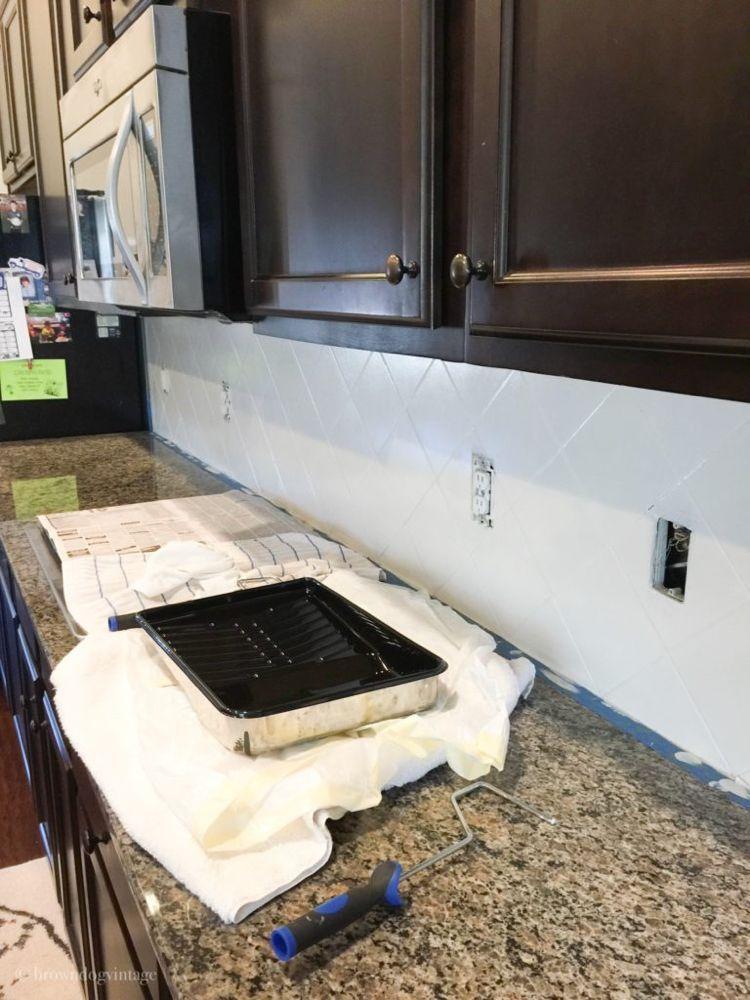Painting Tiled Kitchen Backsplash A Complete How To Guide Painting Tiled Kitchen Bac In 2020 Painting Tile Backsplash Kitchen Tiles Backsplash Stone Tile Backsplash