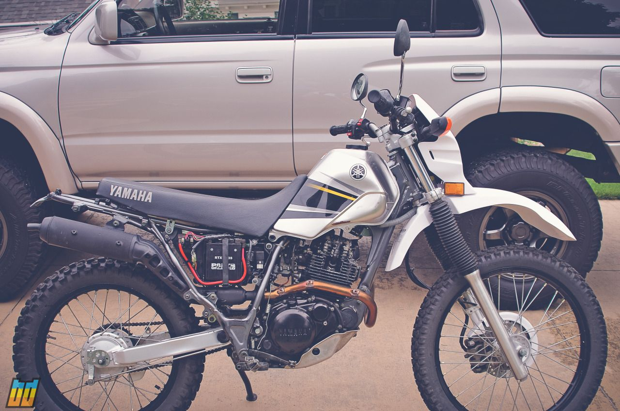 2004 Yamaha XT225 with rear fender and side plastics removed