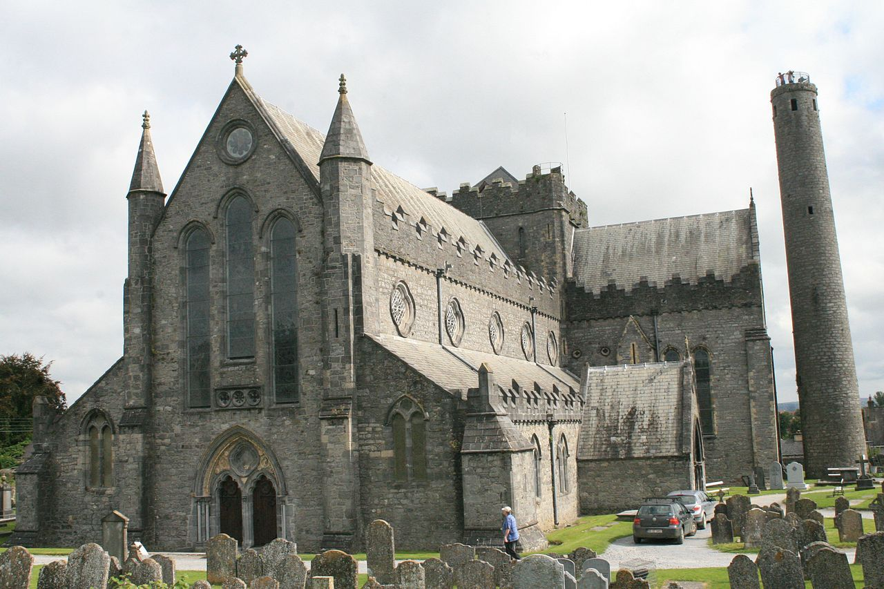 Kilkenny St Canice Cathedral SW 2007 08 28 - Sankt-Cainnech-Kathedrale – Wikipedia