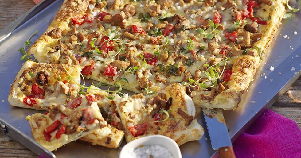 Smördegspizza med köttfärs