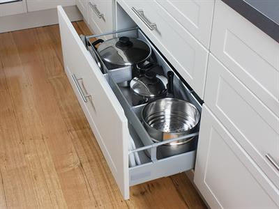 kaboodle 900mm cremasala alpine 3 drawer panels kitchen inspirations kitchen paneling on kaboodle kitchen bunnings drawers id=93279