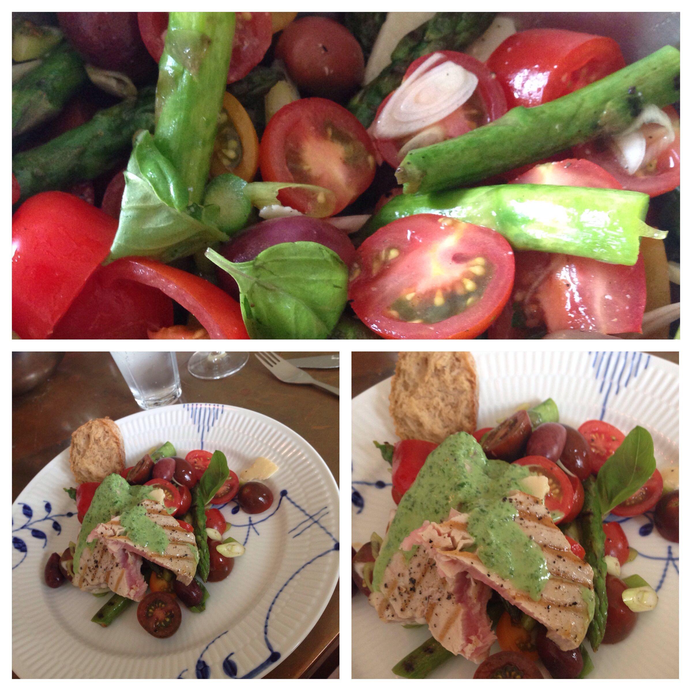 Jamies tun salat med basilikum yoghurt: 1 dl  low-fat yoghurt, stor håndfuld basilikum, revet parmasanost og citronskal, lidt citronsaf, salt og peber. I salaten havde jeg også forårsløg;)  http://www.jamieoliver.com/recipes/fish-recipes/hot-tuna-salad-with-basil-dressing