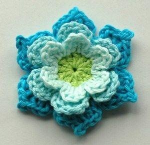 Blooming Crochet Flowers and Leaves – Free Crochet Pattern – Annie Design Crochet #crochetflowers