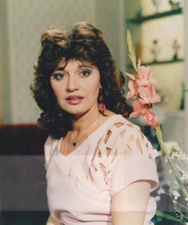 D47bf4b70876dbca6f6e1df77d5b8fd1 Jpg 597 716 Egyptian Actress Egyptian Beauty Arabian Beauty