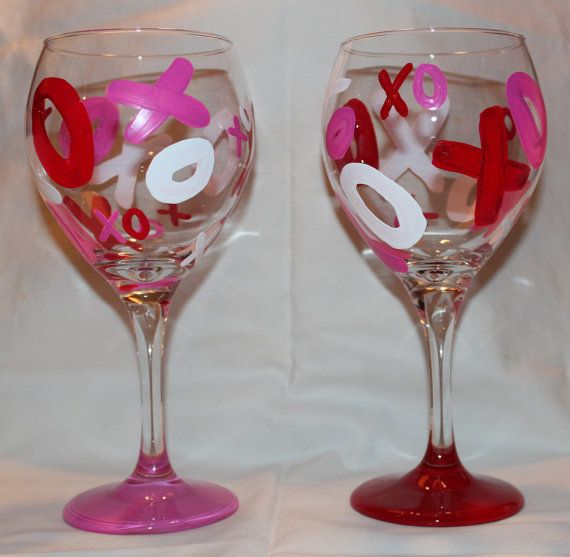 Valentine S Day Wine Glass Set Of 2 Xoxo The Painted Pineapple