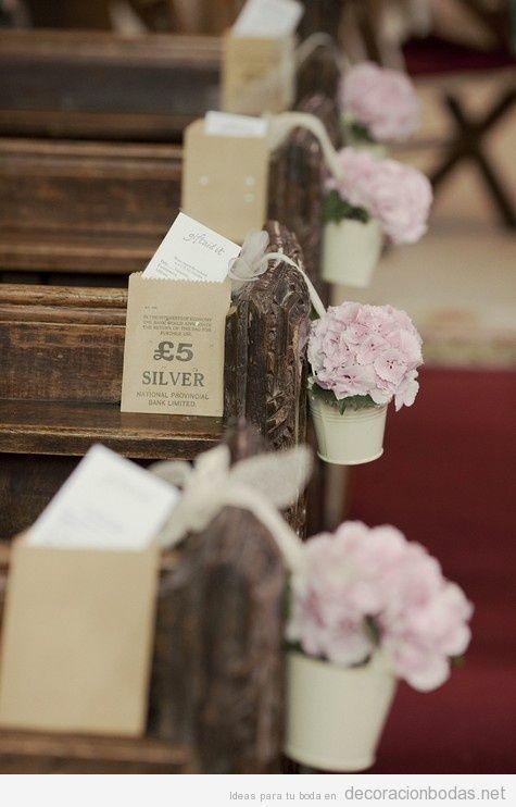 decoracin de flores para bancos de iglesias en boda