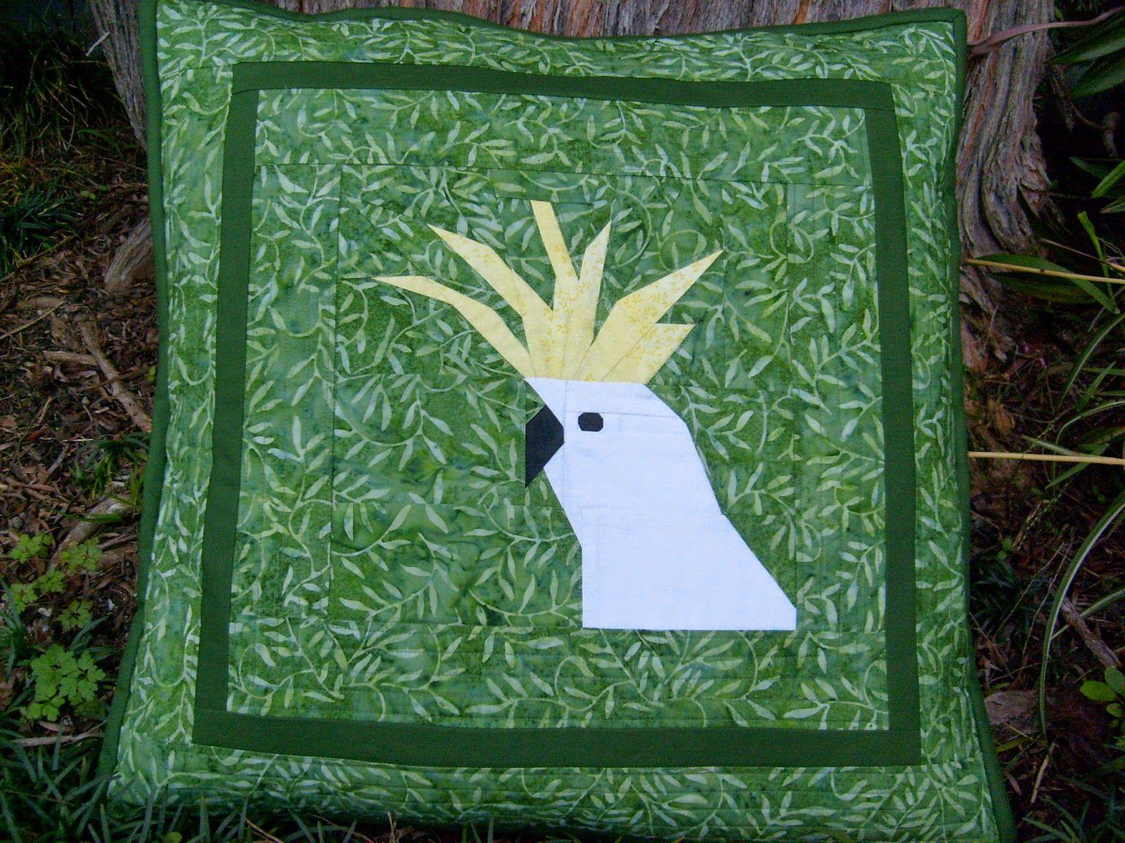 JulieLou : A Cockatoo Cushion