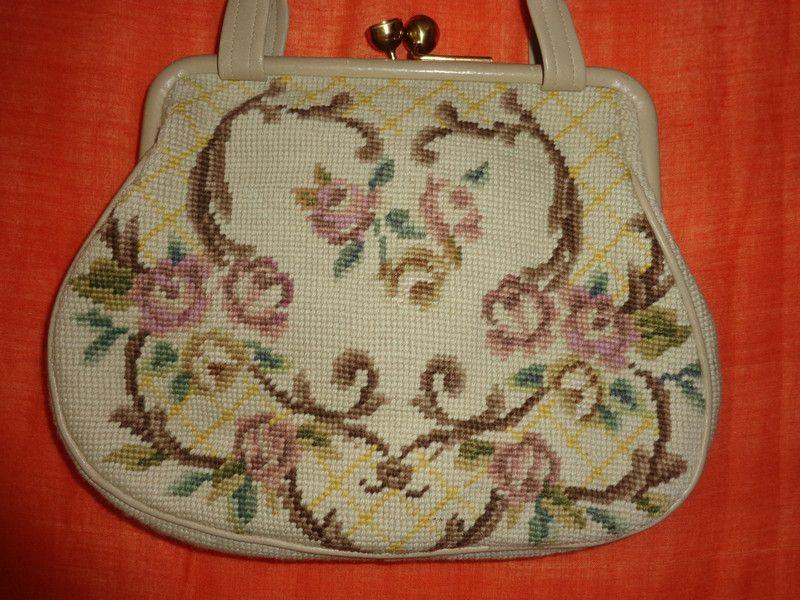 Vintage Handtaschen - Tasche*Vintage*Gobelin*beige*rosa*floral*gold* - ein Designerstück von SweetSweetVintage bei DaWanda