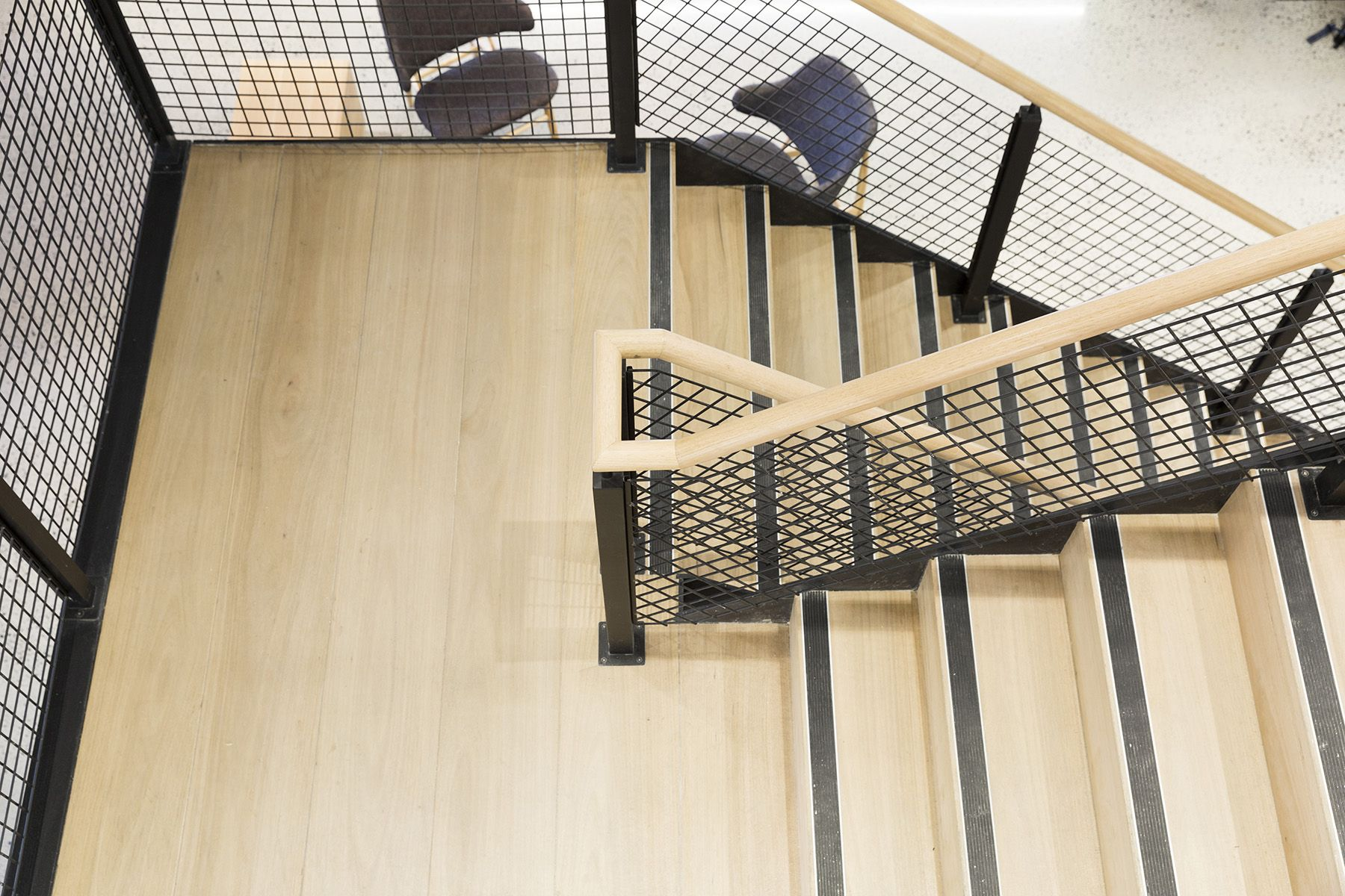 Best Stairs Commercial Treads Mesh Balustrade Handrail 400 x 300