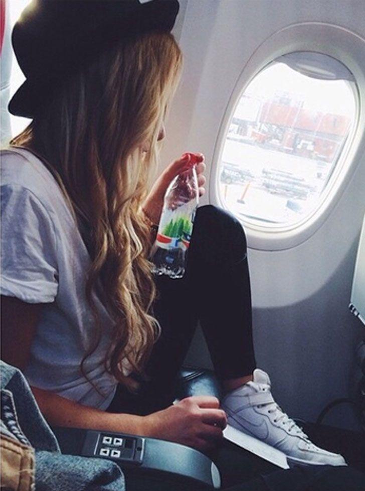 Descubre Cómo Vestirte Para Viajar En Avión Sin Perder El Estilo Trajes De Avión Viajar Con Estilo Fotos Tumblr Para Imitar