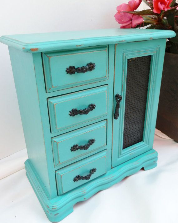 Upcycled jewelry box distressed painted in annie sloan for Wholesale chalk paint