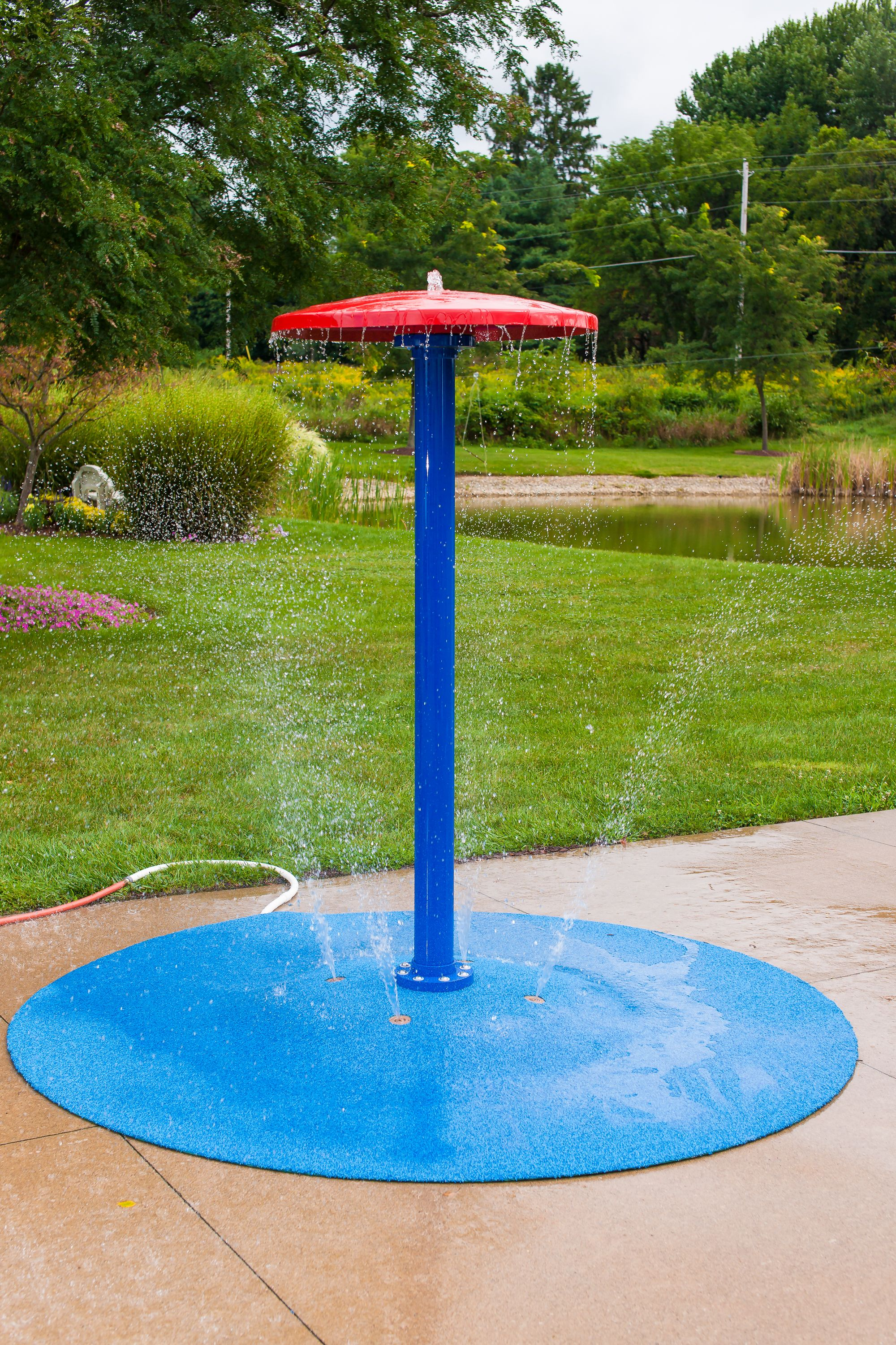 8 Portable Splash Pad Platform With The Umbrella Feature Hot Summer Days Are No Match For This Cool And Refres Backyard Splash Pad Diy Splash Pad Splash Pad Backyard diy splash pad