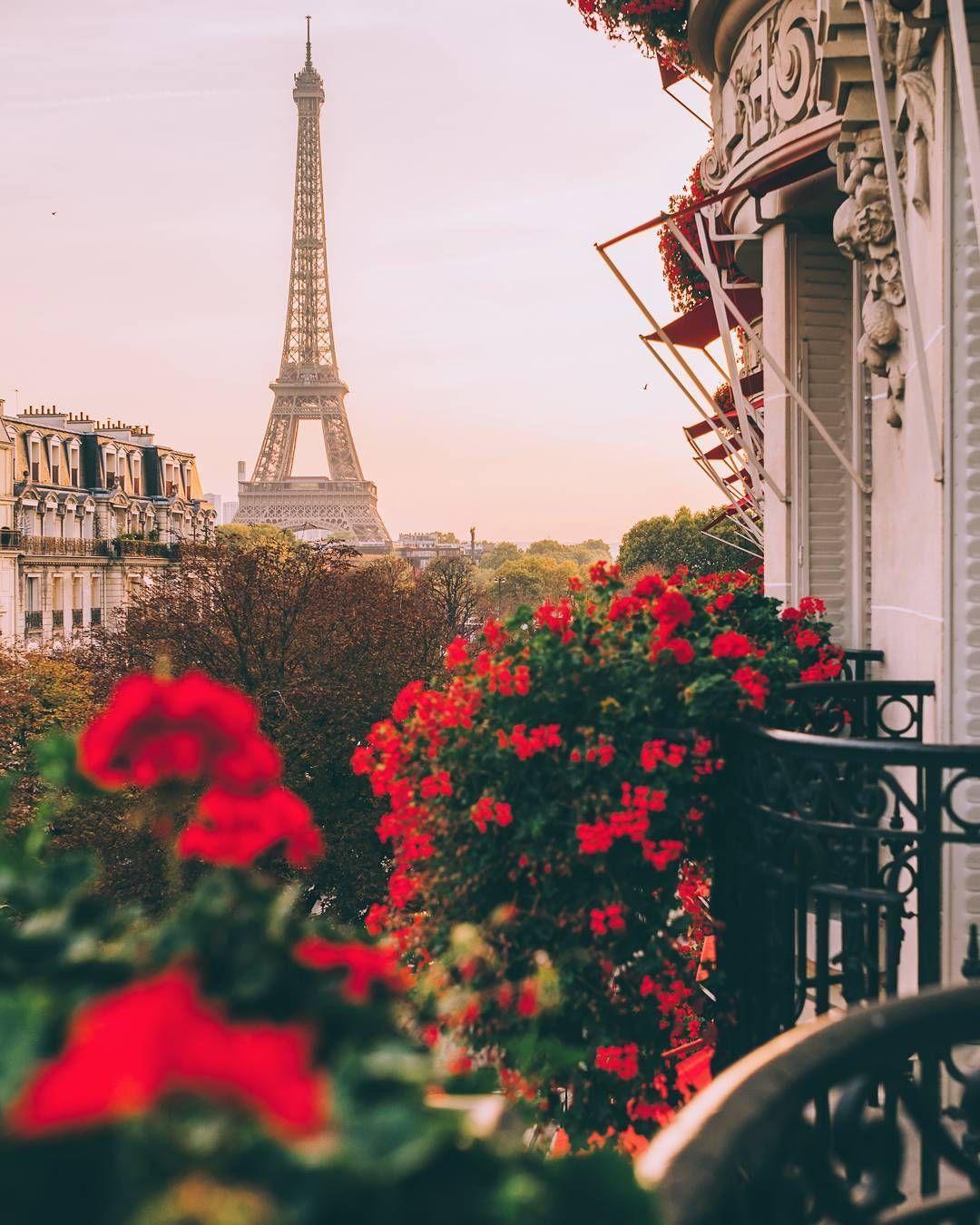 Paris Is The City Of Love And Romantic Design Discover The Most Unique Places With The Travel Guide At Mydesignagend Plaza Athenee Paris Paris Paris Wallpaper