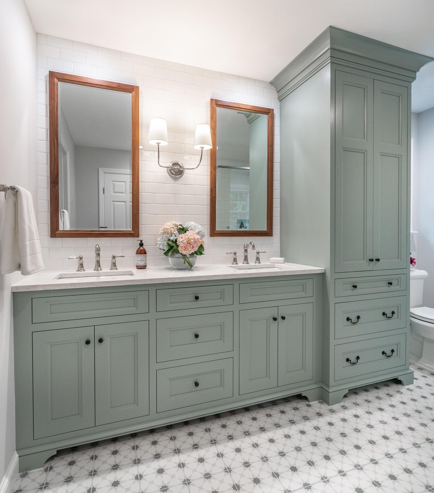 Jarrett Design Chose A Custom Blue Green Paint For The Rutt Cabinets In This Master Bath Which W Custom Bathroom Bathroom Cabinet Colors Master Bathroom Design [ 2000 x 1759 Pixel ]
