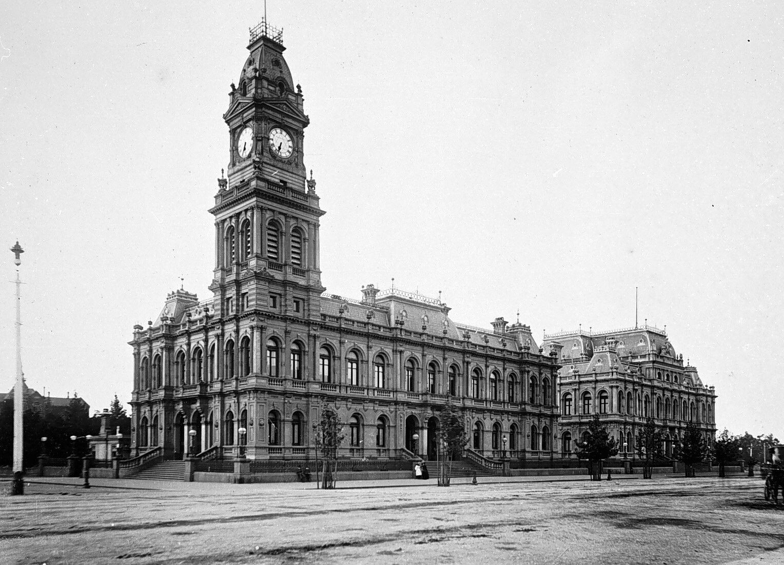 Bendigo Post Office and Law Courts in 1887. | History ~ Australia ...