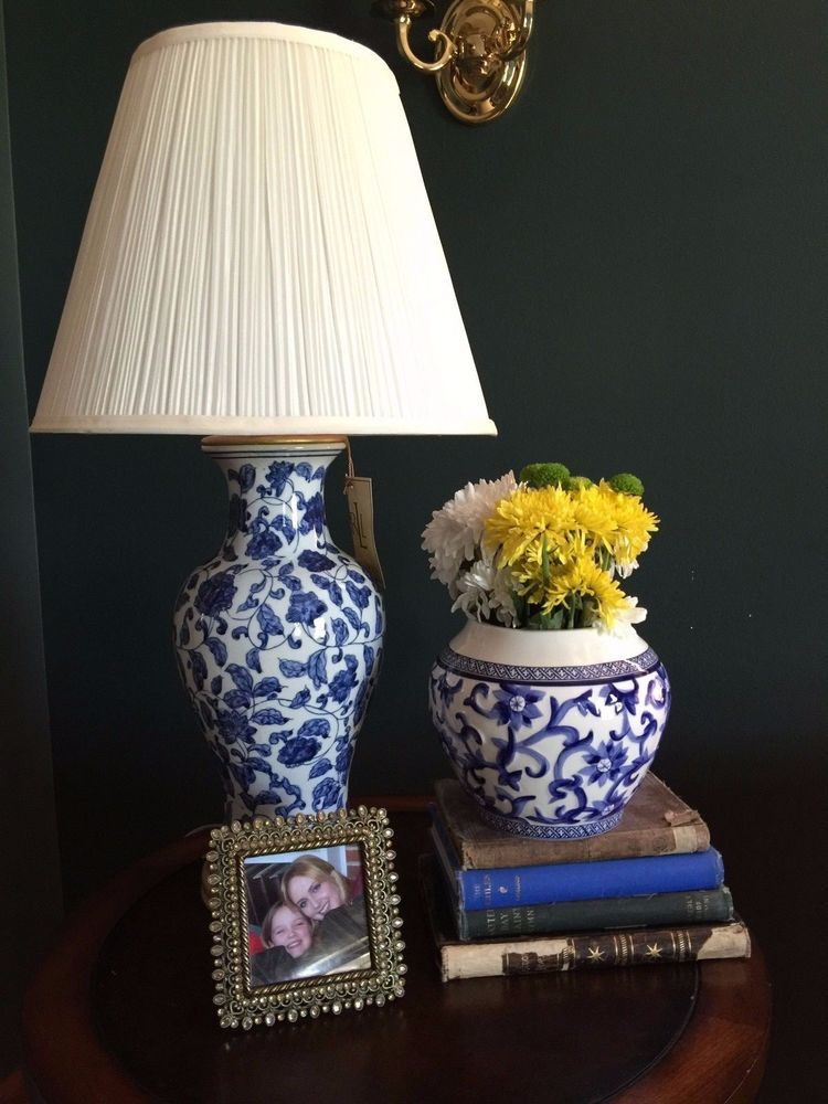 New Rare Ralph Lauren Meredith Table Lamp Blue White Porcelain Floral Sold Out Lamp Table Lamp White Porcelain