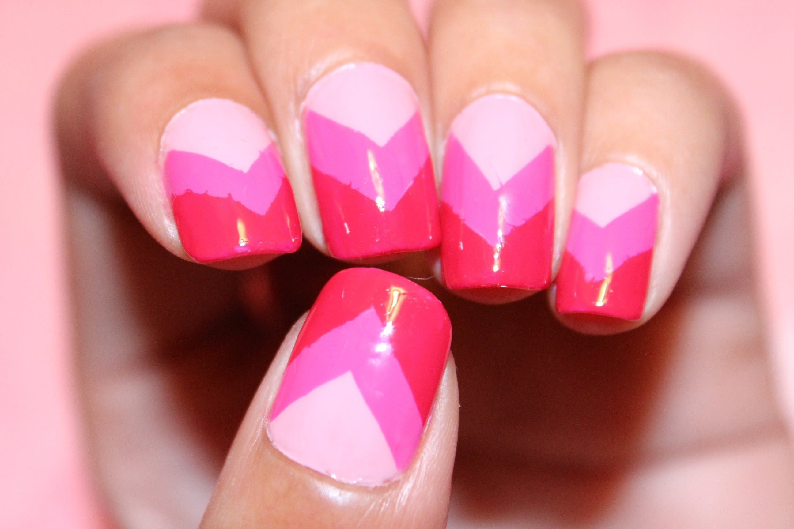 Pink Ombre Chevron Nails - Dee2102