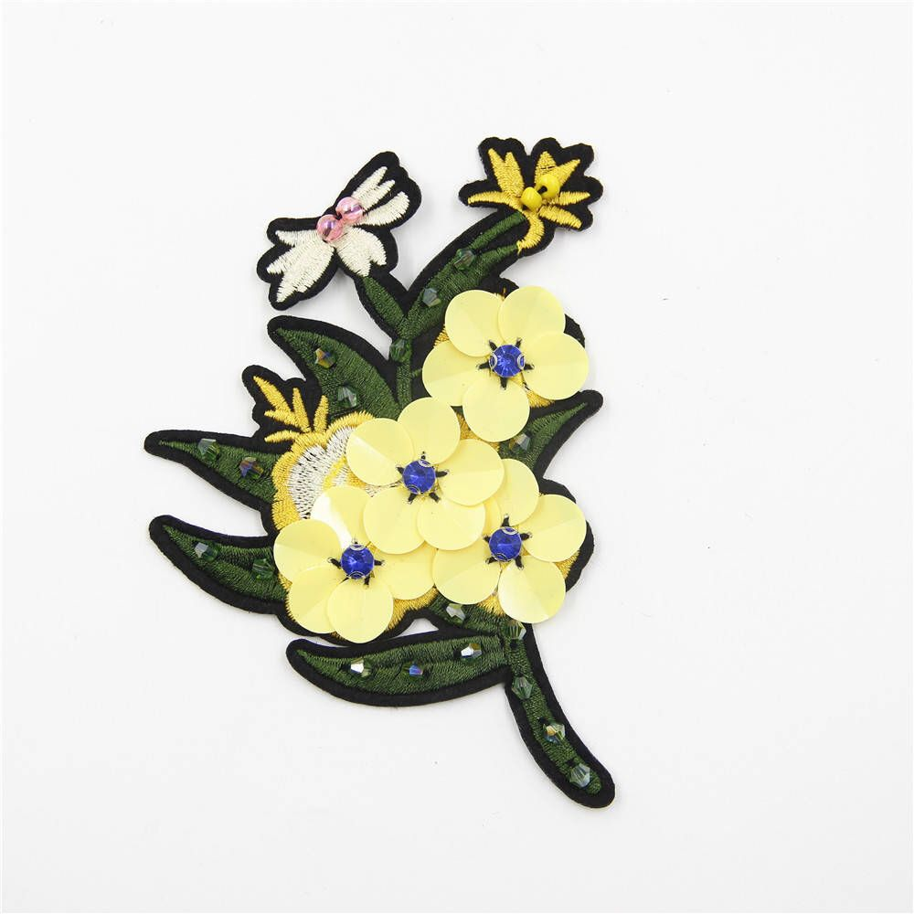 Beaded flower patchessequin flower appliquecrystal
