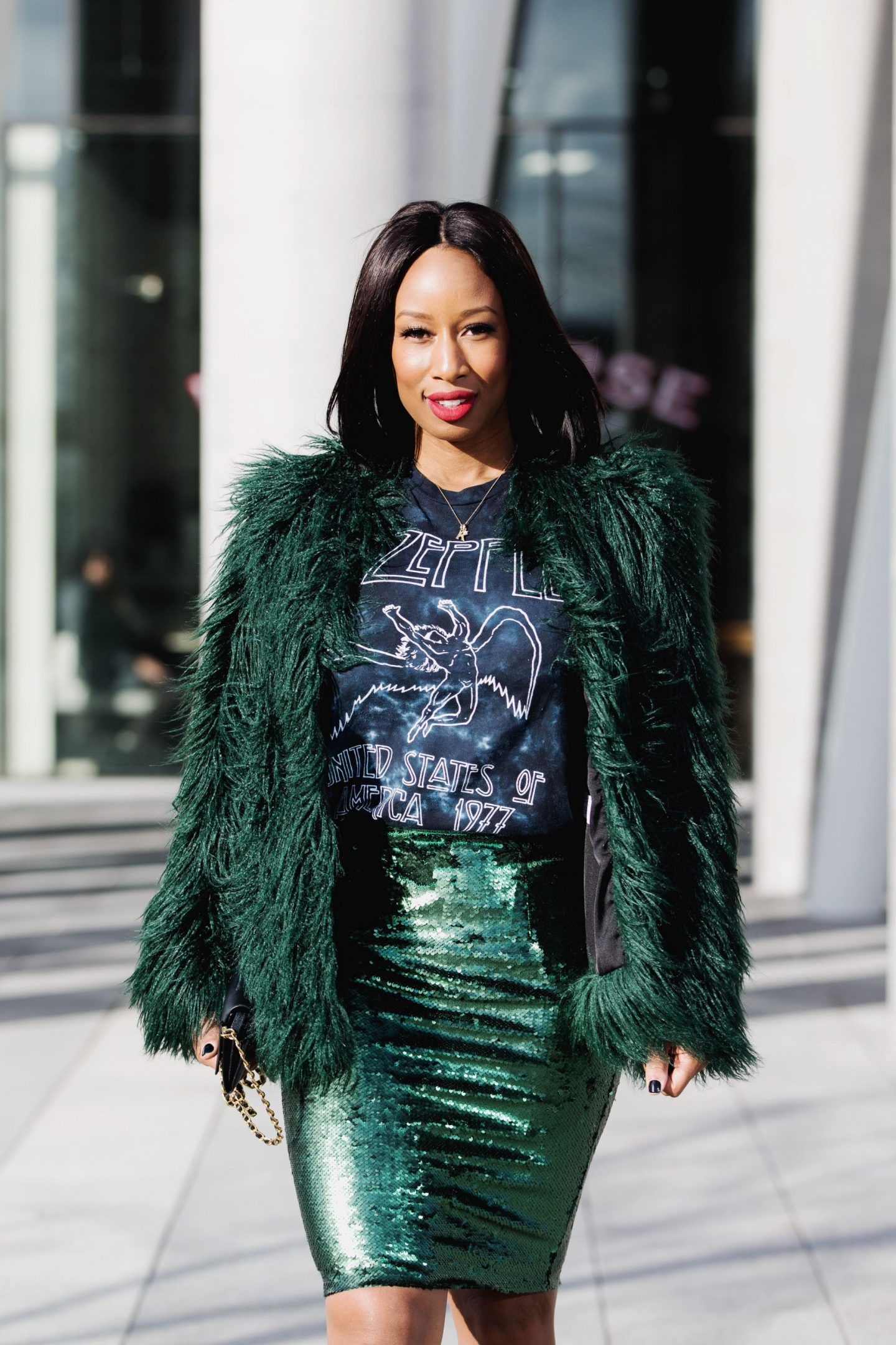 Fashion style How to sequin wear skirt in winter for girls
