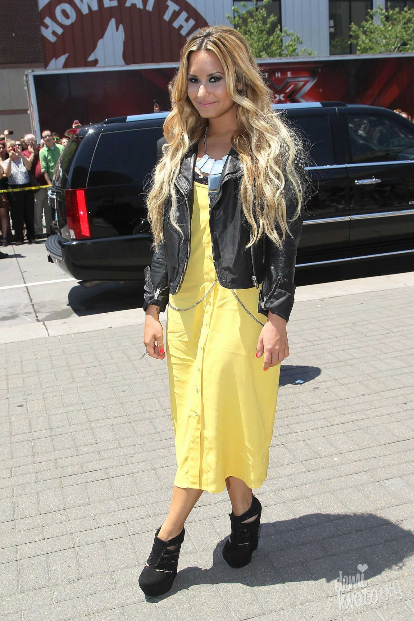 Demi Lovato dresses | demi-lovato-yellow-dress | demi lovato ...