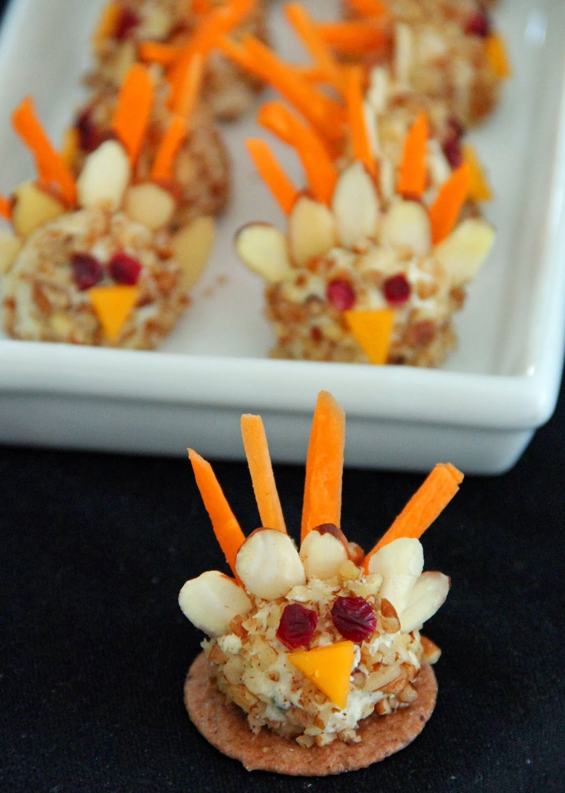 12 Festive Turkey Treats Turkey cheese ball, Cheese ball