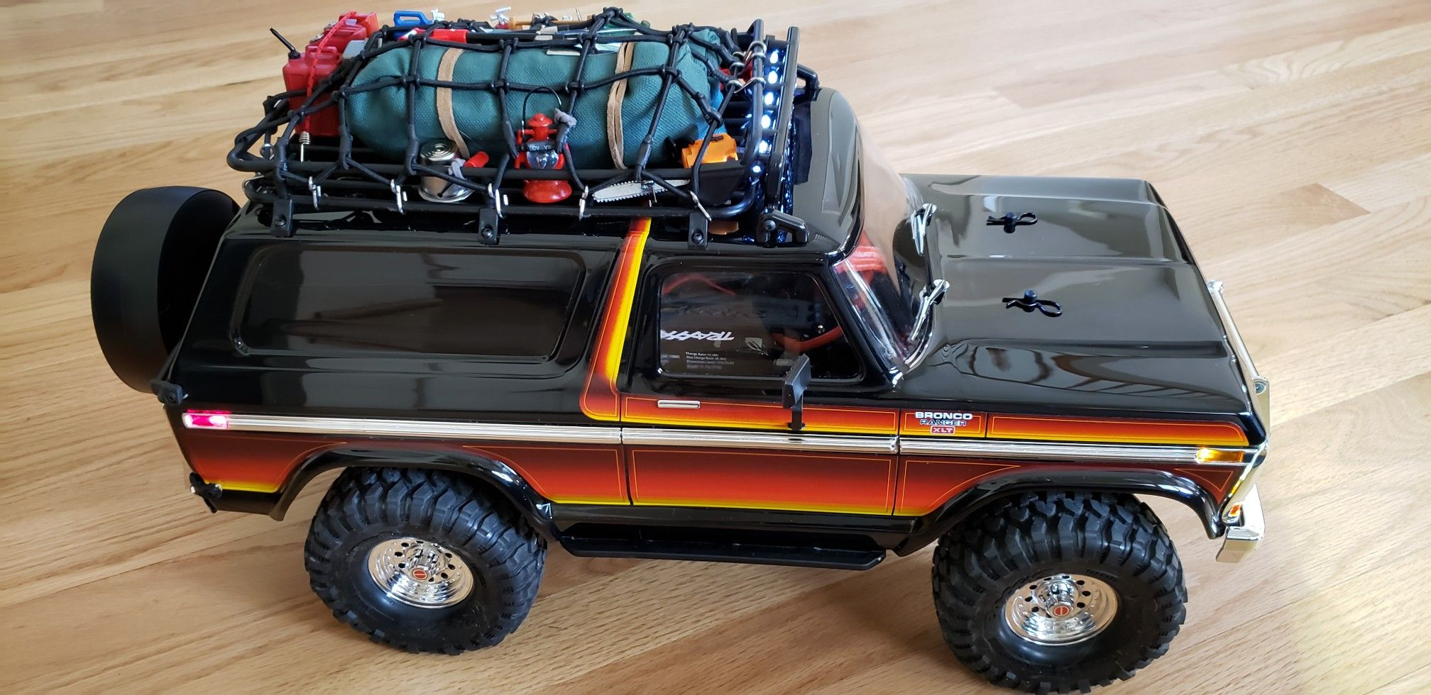 Traxxas Trx4 Ford Bronco With Roof Rack Cargo Net Roof Mount Light Bar And Lots And Lots 1 10 Scale Accessories As Going Super Ford Bronco Traxxas Roof Rack