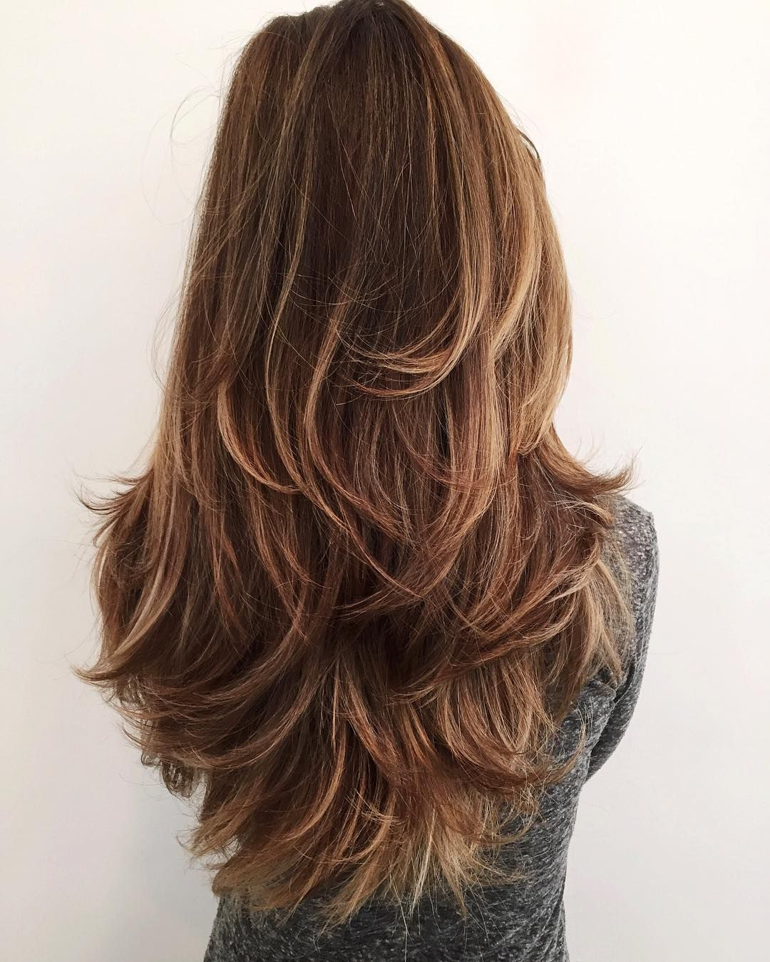 glam and gorgeous!! we are swooning over this hot hairdo