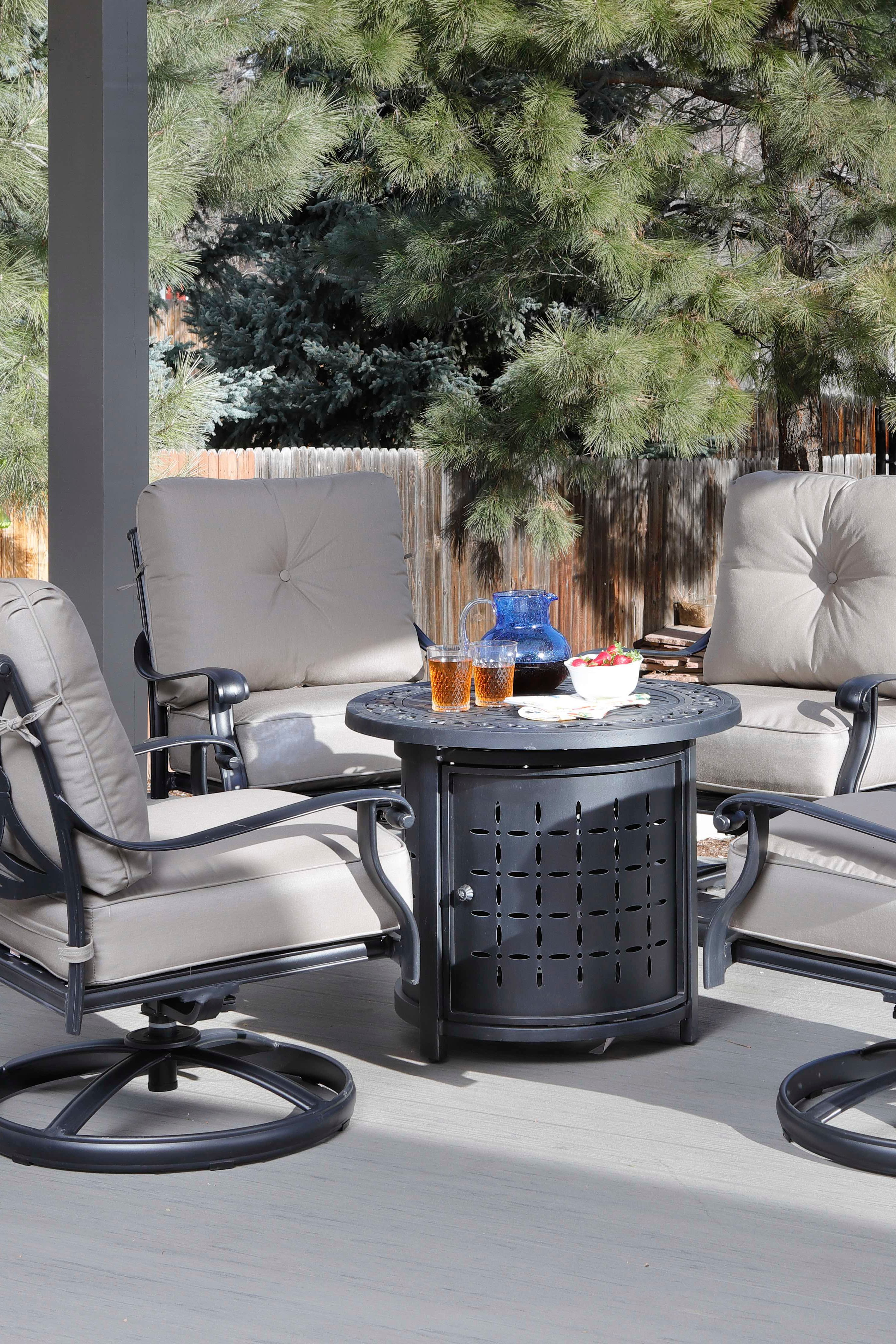Who Doesn T Love Free Get The 30 Round Fire Pit With Lava Rocks