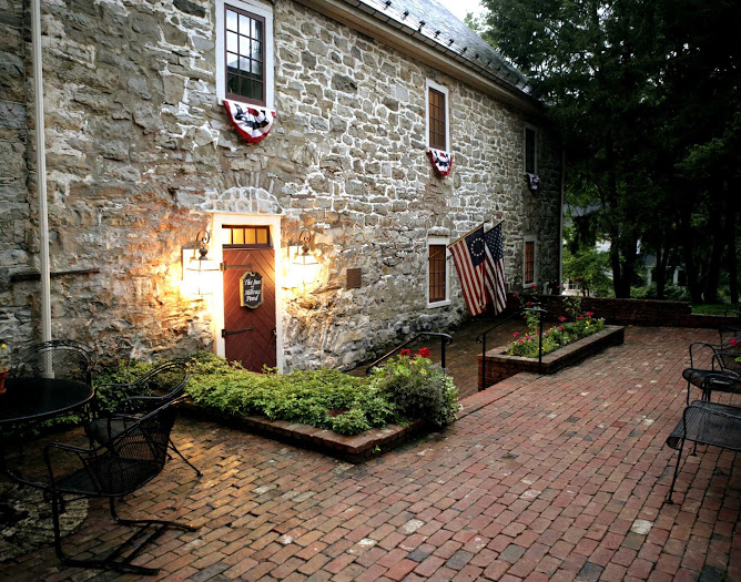 New Jersey Bride—The Inn at Millrace Pond for small weddings.