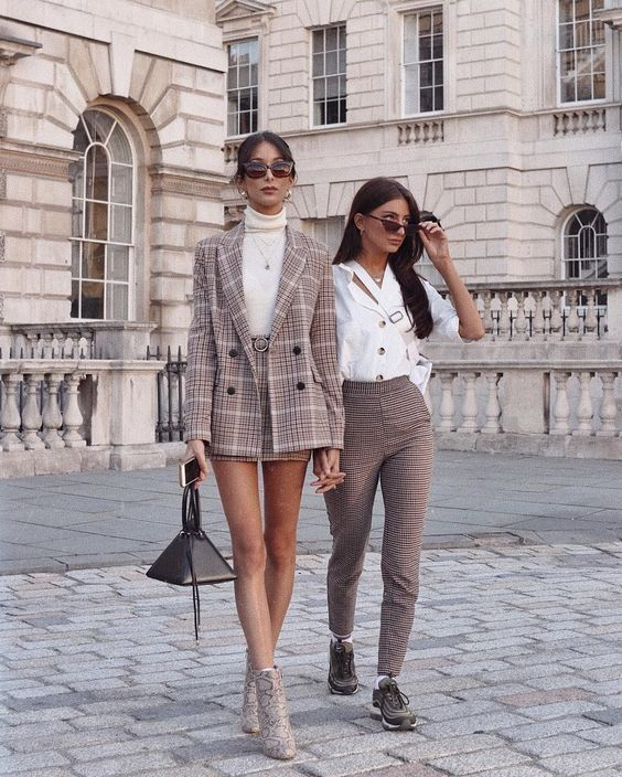 How to Dress Like A Girl Boss