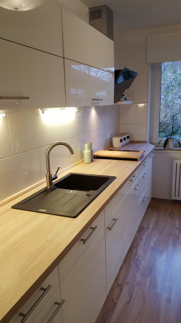 meine neue k chenzeile arbeitsplatte in apfelbaum granit waschbecken liftschr nke und kopfweg. Black Bedroom Furniture Sets. Home Design Ideas