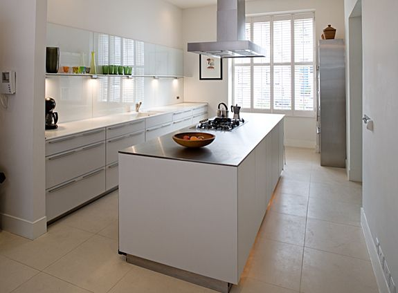 Classic Victorian three-storey London townhouse bulthaup by Kitchen ...