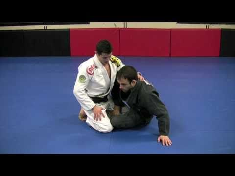 Caio Terra showing a counter to the basic butterfly guard pass. This move also serves as an entry to deep half guard if not completed fully.