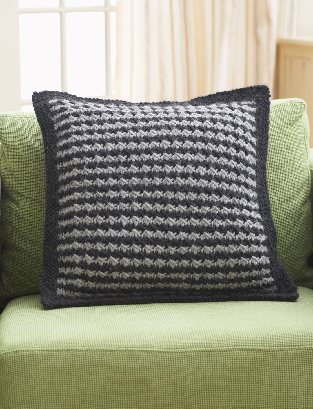 Yarnspirations bernat houndstooth pillow patterns houndstooth pillow free knitting pattern and more pillow and cushion knitting patterns bankloansurffo Choice Image