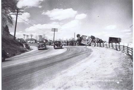 1945 view of accident on Dead Man's Curve, Lafayette Blvd