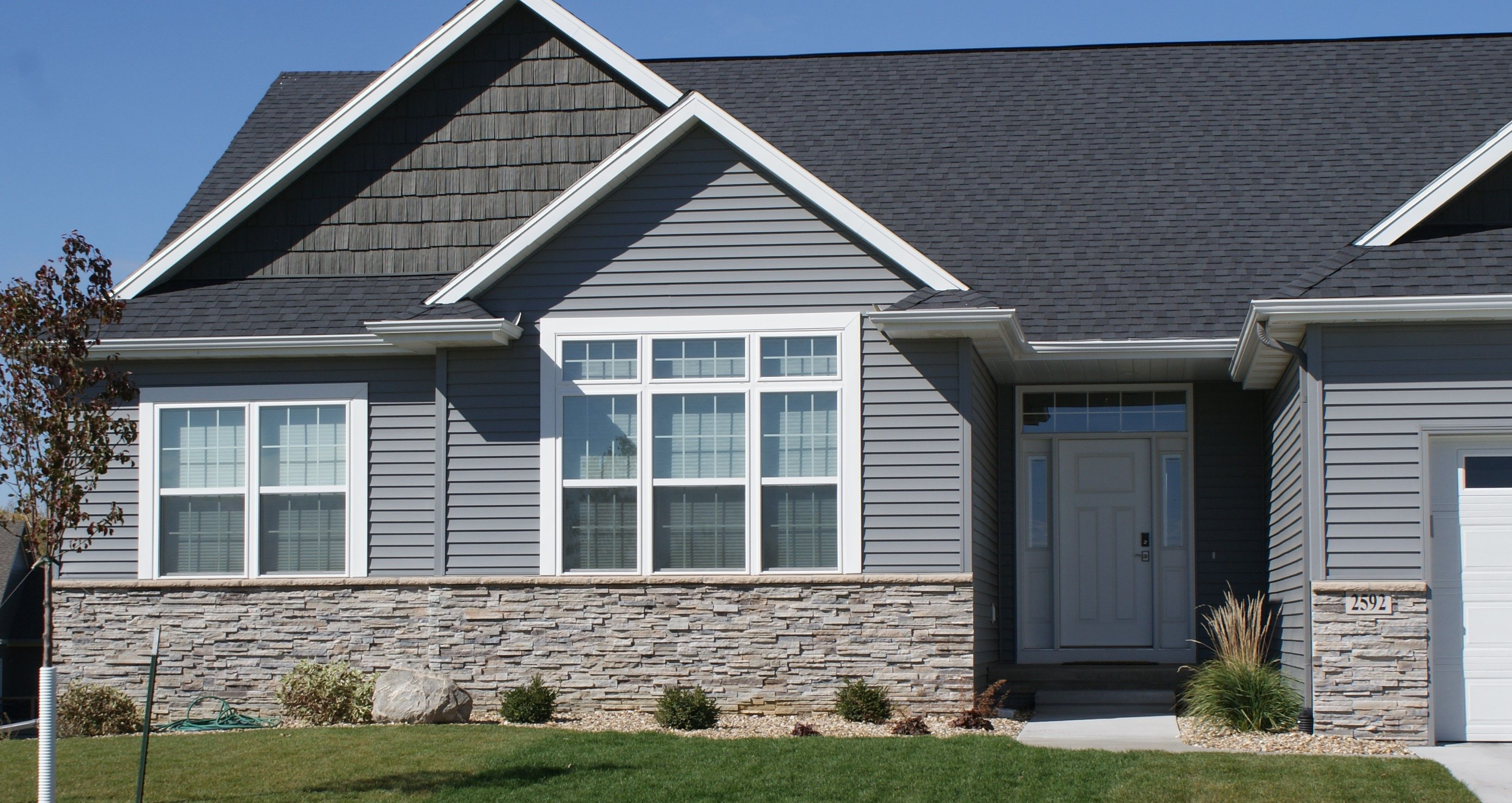 Echo Ridge Pro Fit Alpine Ledgestone Cultured Stone Stone Boral Usa Stone Verneer House Exterior Stone Panels Exterior Exterior House Colors